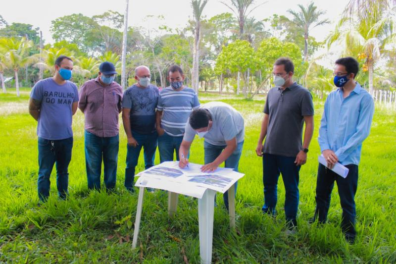 Construção do centro de reabilitação para dependentes químicos é iniciada em Parintins