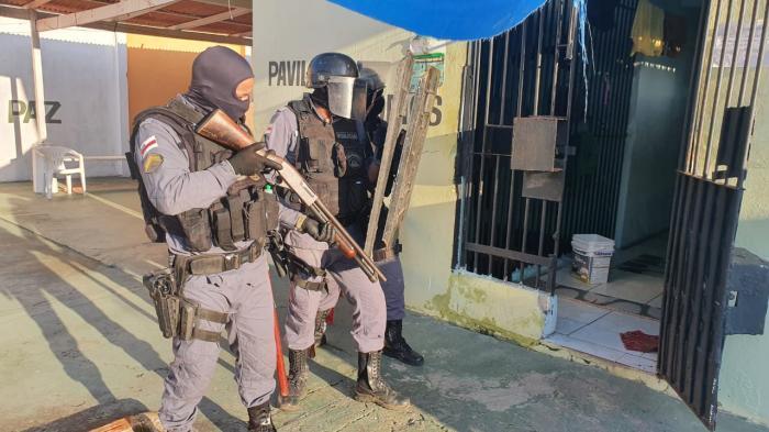 PM encontra arma, drogas e celulares em presídio de Parintins