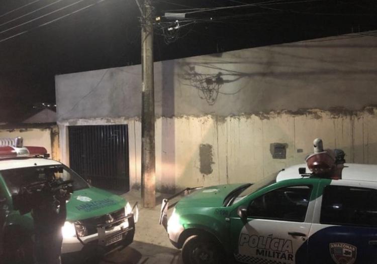 Bandidos invadem casa, matam dois e deixa um ferido em Manaus