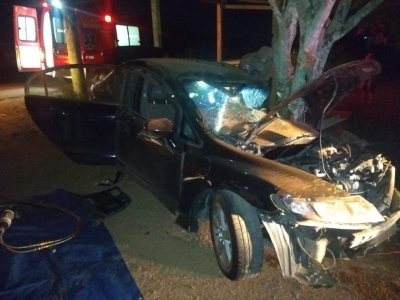 Industriário morre após colidir carro em árvore na rodovia Manoel Urbano, em Iranduba