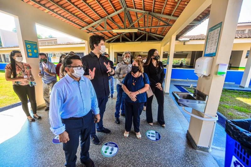 Deputados fiscalizam escolas de Manaus para retorno às aulas presenciais na segunda (10)