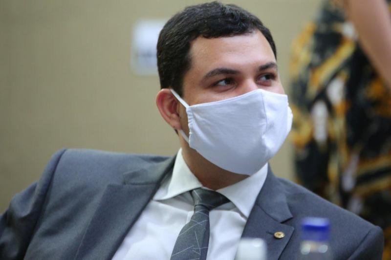 Deputado Saullo Vianna doa mais de 50 mil máscaras para o interior do Amazonas