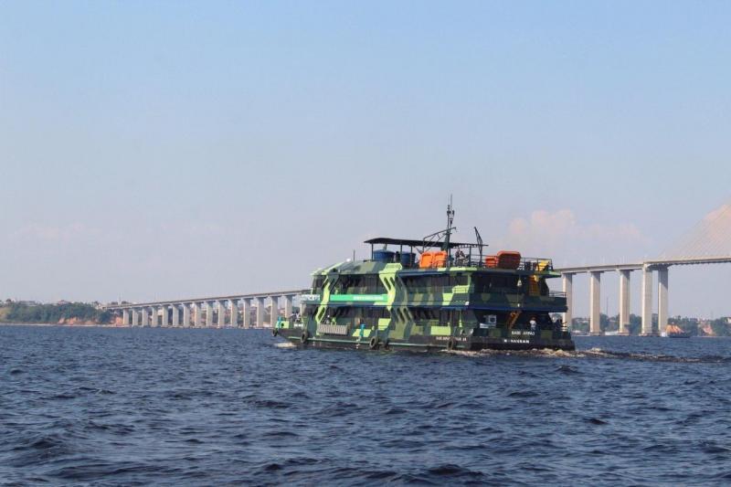 Base Arpão sai de Manaus com destino ao município de Coari