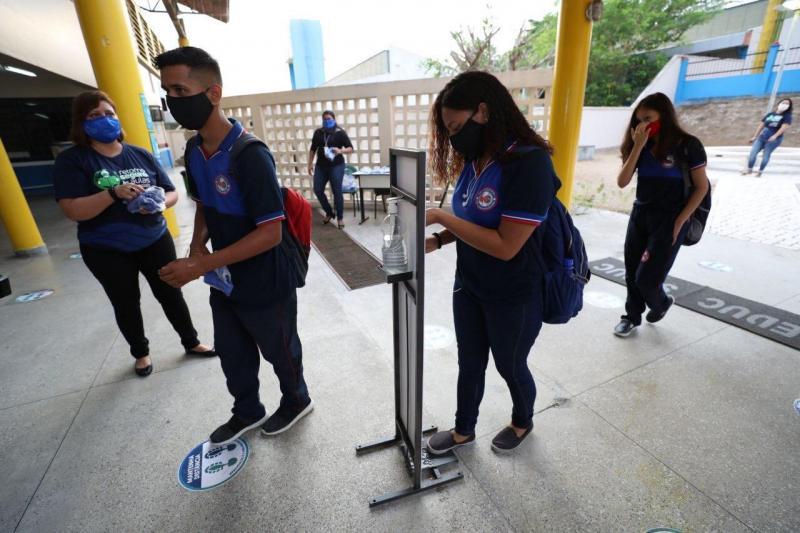 Governo do Amazonas retoma as aulas em 123 escolas nesta segunda (10), em Manaus