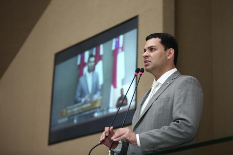 PL de Saullo Vianna prevê intérprete de Libras em hospitais do Amazonas