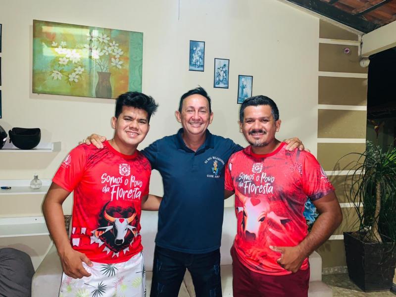 Coreógrafos do Garantido, irmãos Cabral aderem a pré-candidatura de Babá Tupinambá