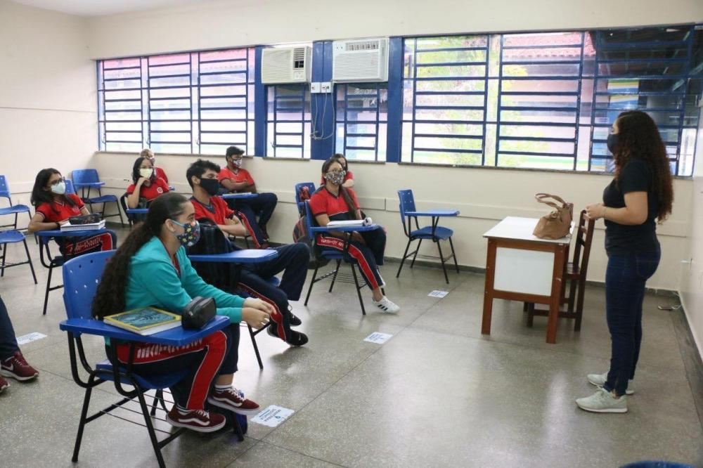 Em Manaus, aulas do Ensino Médio seguem com 100% das escolas em funcionamento