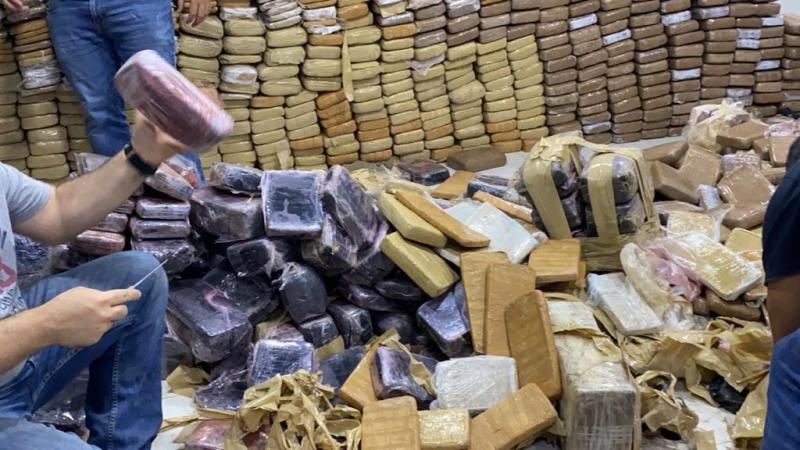 Polícia Civil apreende quase uma tonelada de drogas em Manaus