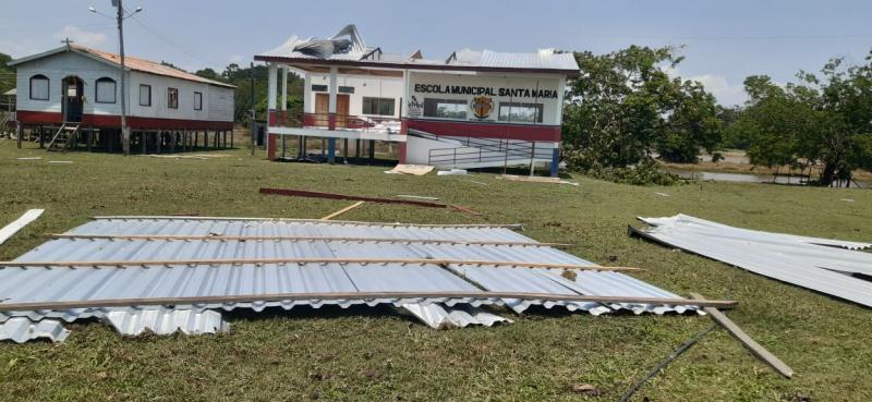 Descaso: Escola recém-inaugurada é destelhada na comunidade do Tutira em Barreirinha
