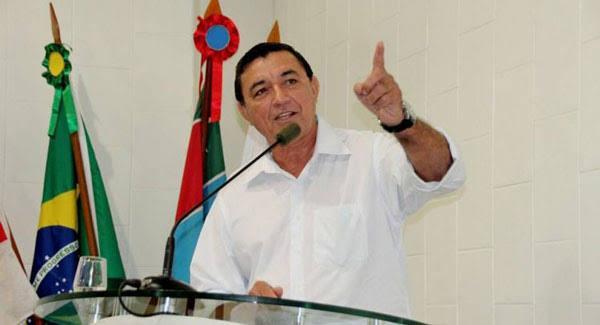 Vereadores de Itacoatiara arquivam denúncias contra prefeito Antônio Peixoto