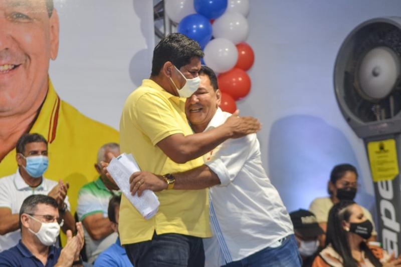 Bi Garcia reúne 16 partidos em convenção e fecha aliança com Márcia para as eleições 2020