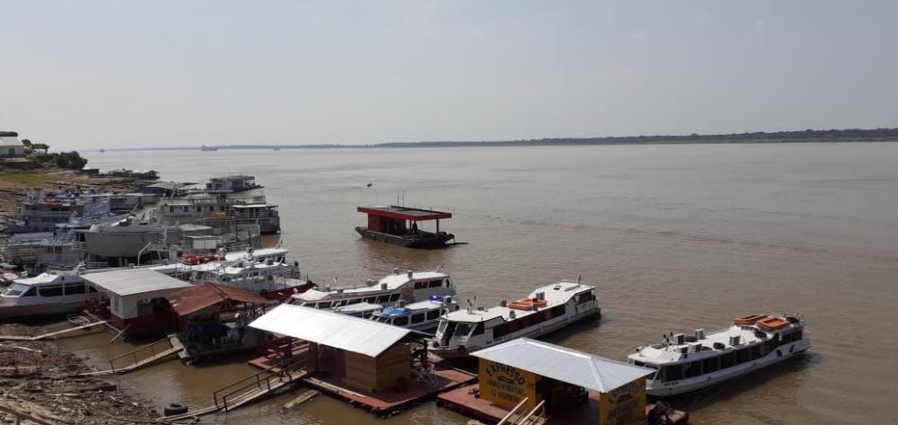 Lancha com comitiva de candidato a prefeito afunda em rio no Amazonas