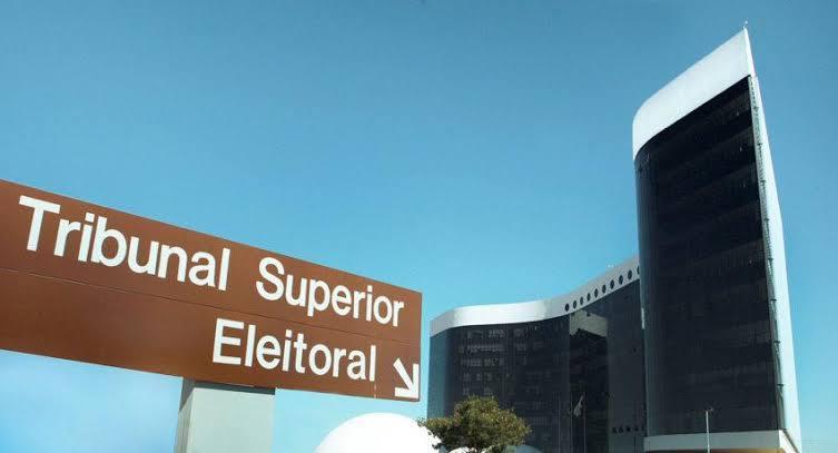 Canditados e partidos políticos devem enviar Prestação Contas ao TSE