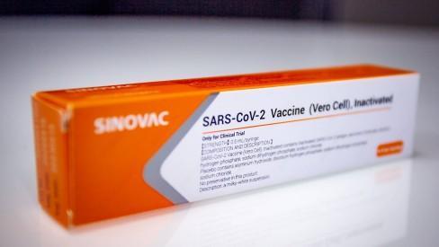 Primeiras doses da vacina CoronaVac chegam ao Brasil em uma semana, diz Doria