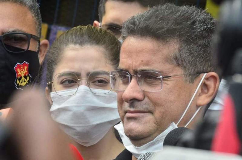 Candidato David Almeida votou e seguiu para o velório da mãe, D. Rosa