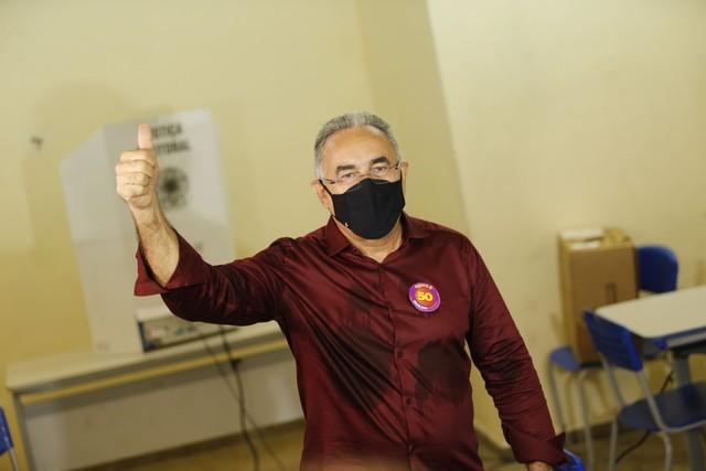 Edmilson Rodrigues, do Psol, é eleito prefeito de Belém (PA)