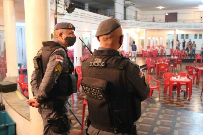Festas clandestinas e estabelecimentos são fechados durante fiscalizações em Manaus