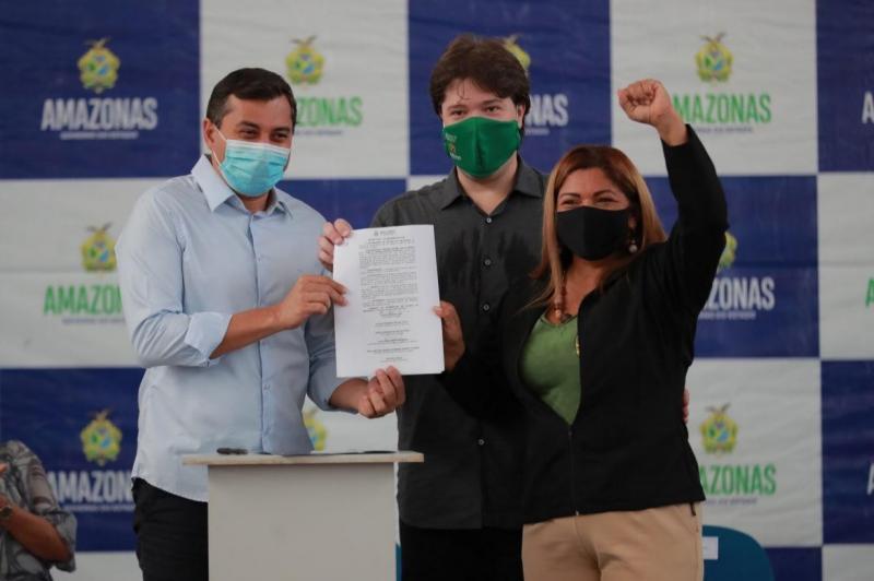 Wilson Lima assina convocação de 827 aprovados em Concurso Público da Seduc