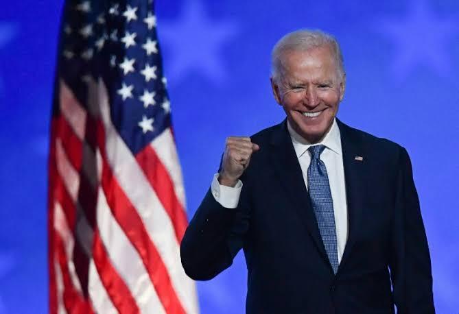 Após invasões, Congresso confirma Joe Biden como novo presidente dos Estados Unidos