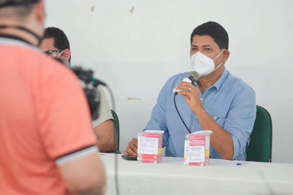 Em entrevista à rádio Clube, BI Garcia diz que Parintins tem 93 internados de COVID-19 e está próxima ao colapso