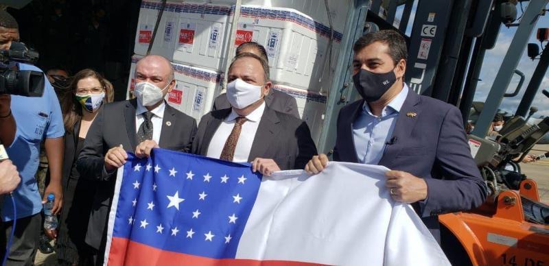 Governador Wilson Lima recebe 256 mil doses da vacina contra Covid-19