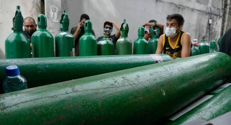 Carregamento com mais de 100 mil m³ de oxigênio da Venezuela deve chegar ao Amazonas nesta segunda-feira, diz governo