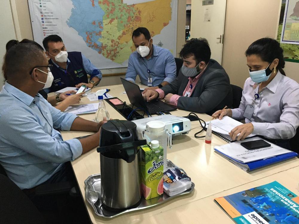 SES-AM e Cema discutem estratégias para abastecimento de medicamentos para intubação