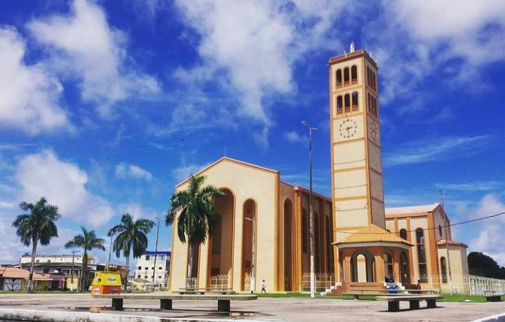 Catedral de Parintins divulga calendário com programação da Semana Santa, em Parintins.