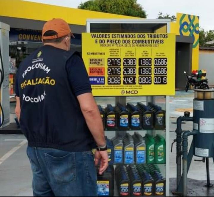 Em Parintins, Procon autua agência bancária e notifica 15 postos de combustíveis