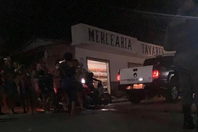 Em Nhamundá, homens armados rendem empresário e assaltam mercadinho