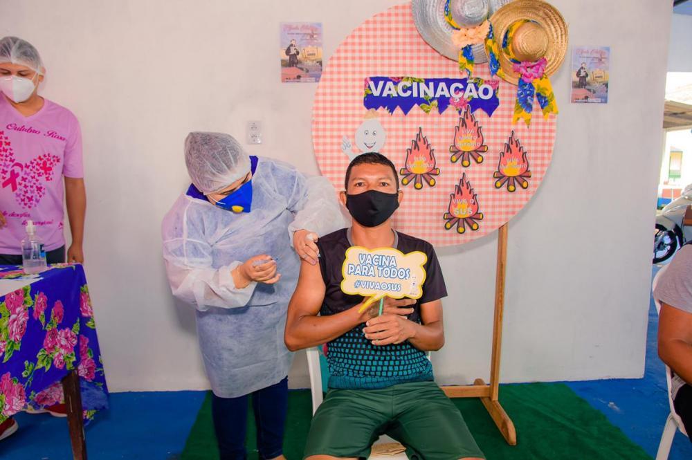 Em Nhamundá, adultos de 35 à 39 anos começam a ser vacinados