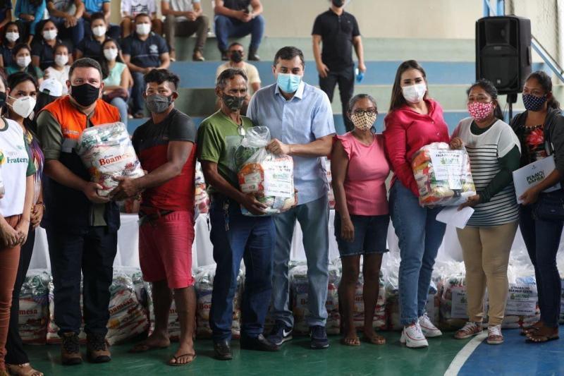 Governo do Amazonas e Federação da Agricultura entregam cestas básicas a produtores rurais em Autazes