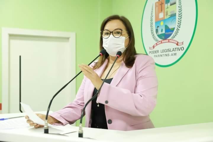 Em sessão na Câmara Municipal, vereadora Márcia Baranda pede respeito e proteção aos idosos
