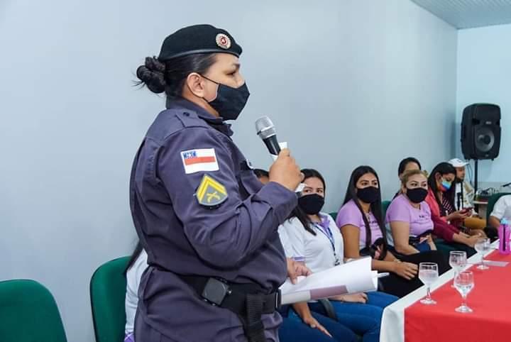 Em Parintins, policiais militares do 11° Batalhão de Polícia Militar participam de capacitação para o combate à violência contra a mulher