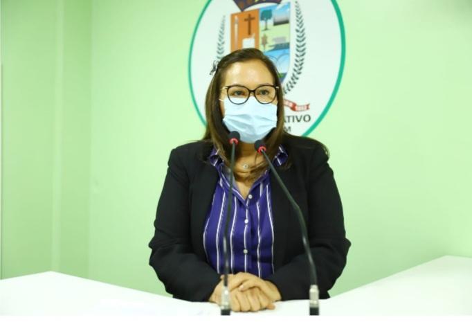 Vereadora Márcia Baranda solicita médico cardiologista para Parintins