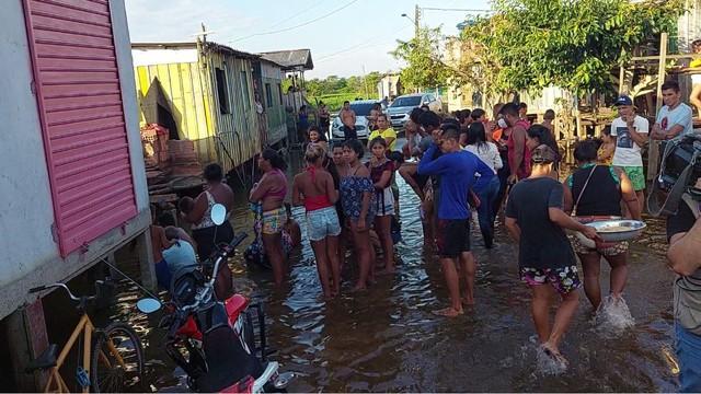 Encontrado corpo de menino de 12 anos que sumiu após troca de tiros em Cacau Pirêra no Amazonas