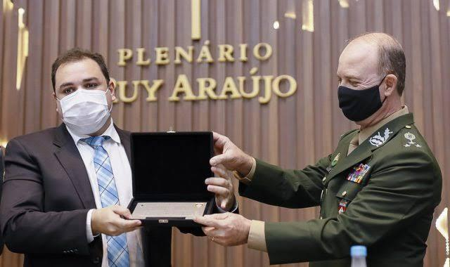 General do Exército assume secretaria de Segurança Pública do Amazonas