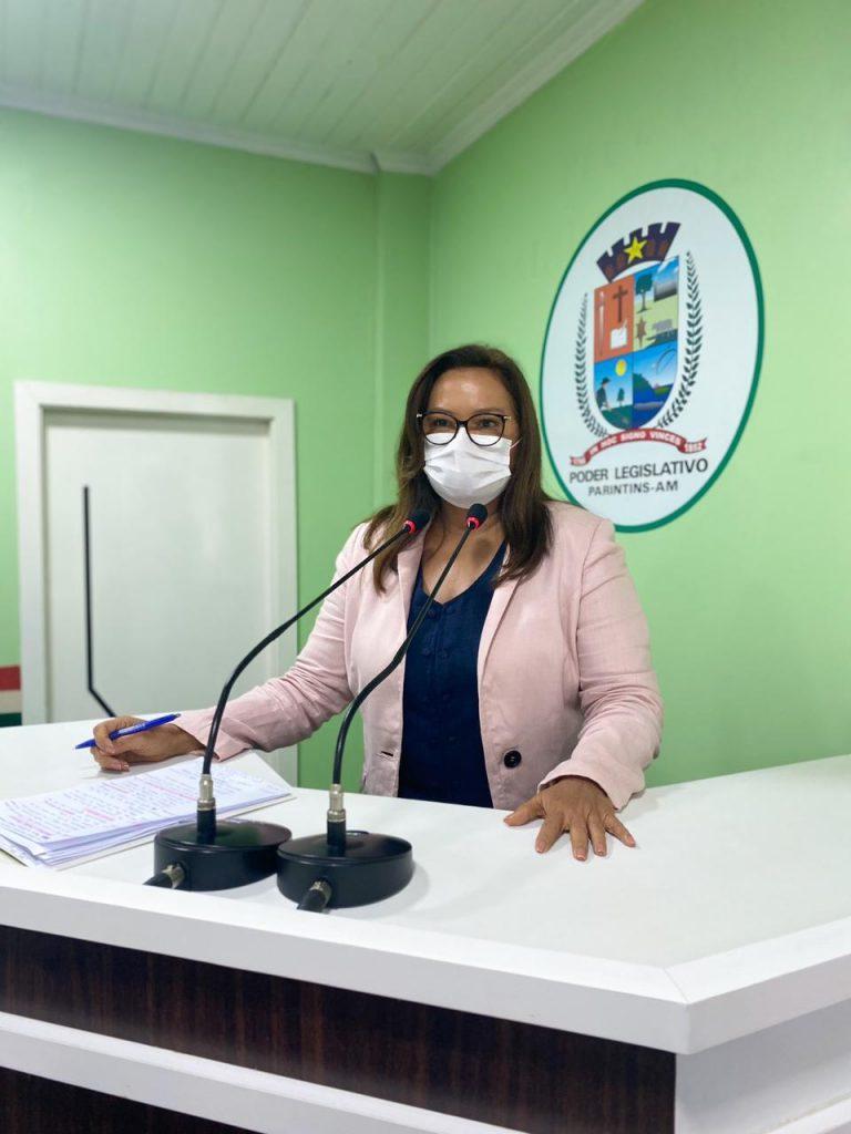 Vereadora Márcia Baranda solicita transporte semanal de leite materno para Manaus e capacitação para tratar acidentados por animais peçonhentos