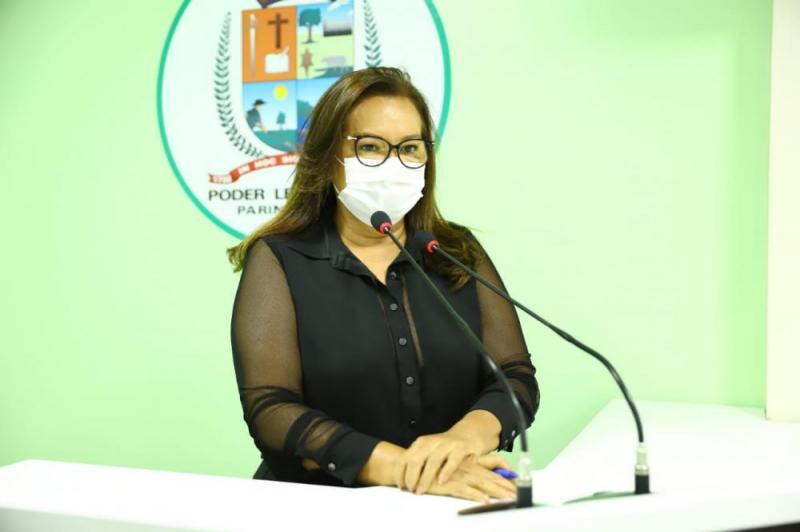Vereadora Márcia Baranda defende contratação de profissionais de psicologia na rede pública de ensino