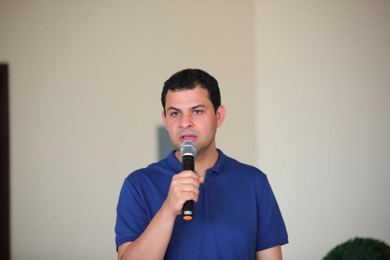 Abastecimento de água e asfaltamento são principais demandas de Coari, afirma Saullo Vianna