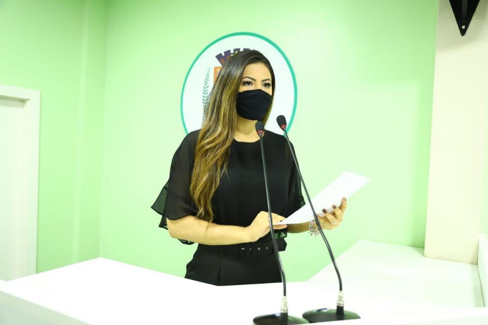 Vereadora Brena Dianná solicita o Reajuste Salarial e demais concessões de direito para os Servidores Efetivos de Parintins