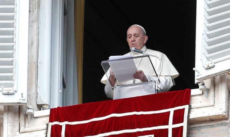 Papa Francisco defende vacinação: 'ato de amor'