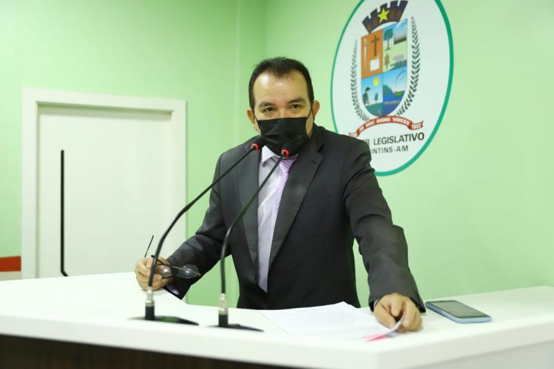 Vereador Massilon Cursino solicita esclarecimentos sobre a construção do novo presídio em Parintins