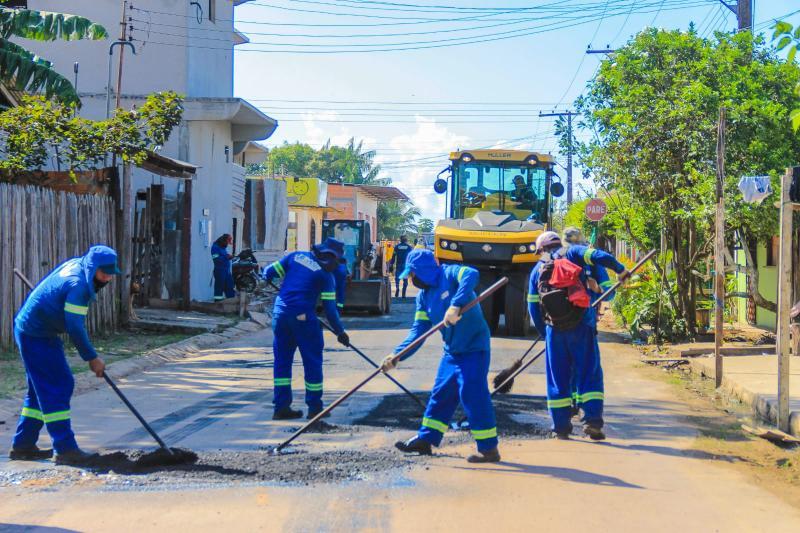 Prefeitura de Parintins leva recapeamento asfáltico aos bairros da cidade