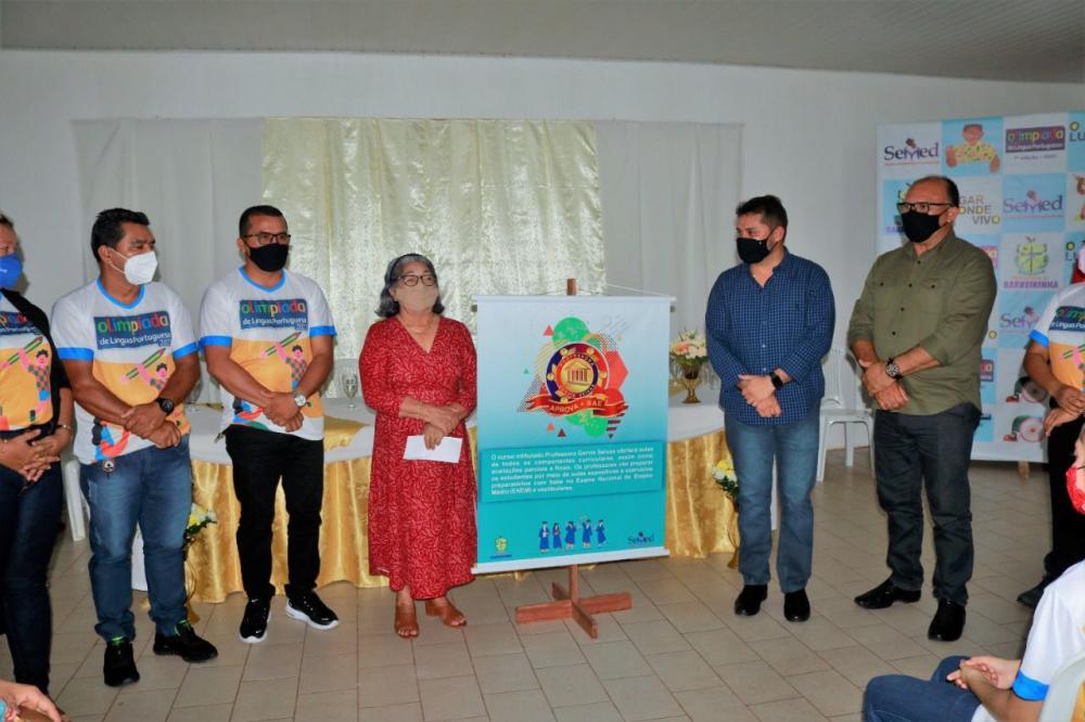 Prefeito Glenio Seixas realiza lançamento do primeiro curso preparatório gratuito de Barreirinha