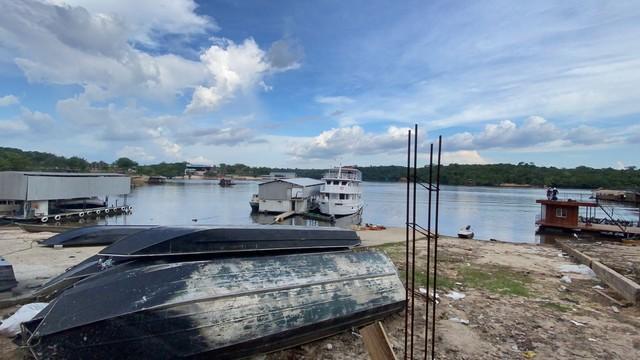 Aeronave de pequeno porte cai em rio, em Manaus