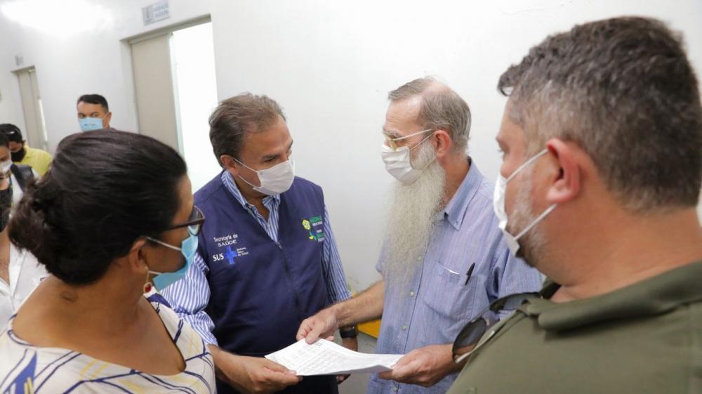 Secretário Anoar Samad realiza visita técnica para implantação de leitos de UTI em Parintins