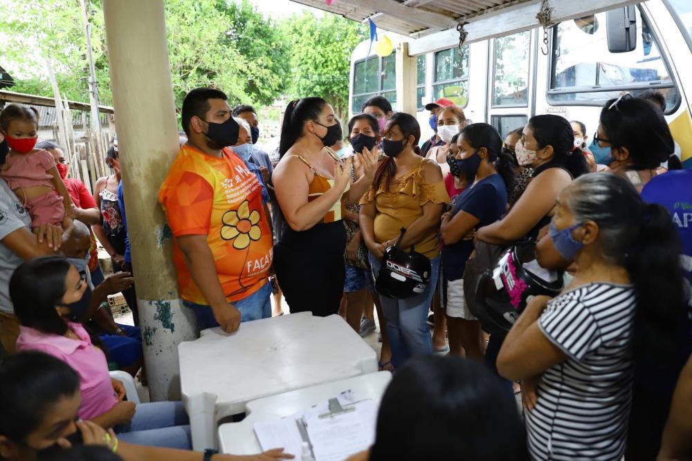 Vereadora Vanessa Gonçalves ouve demandas dos moradores do Palmares e participa de ações da Seas-Am na localidade
