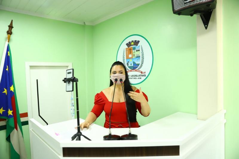 Vereadora Vanessa Gonçalves solicita Água no Jirau para Comunidade São Gabriel do Peixe Marinho e sinalização para o Centro de Educação Tadashi Inomata