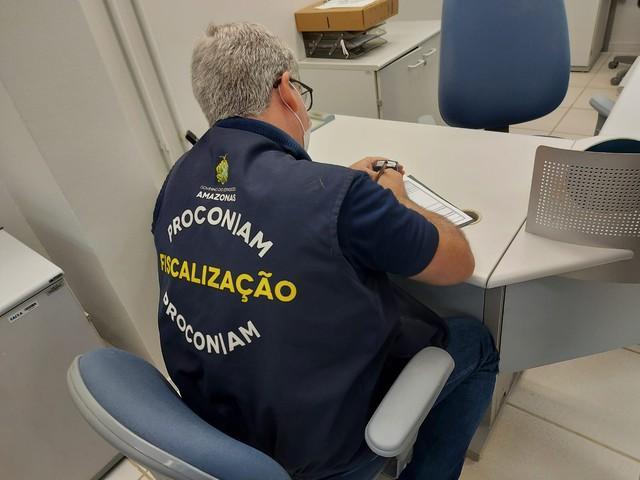 Procon autua agências bancárias no interior do Amazonas